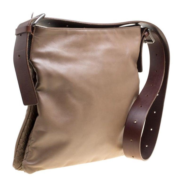 Women's Bottega Veneta Brown Leather Messenger Bag For Sale