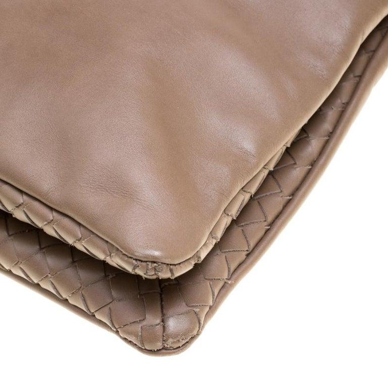 Bottega Veneta Brown Leather Messenger Bag For Sale 5