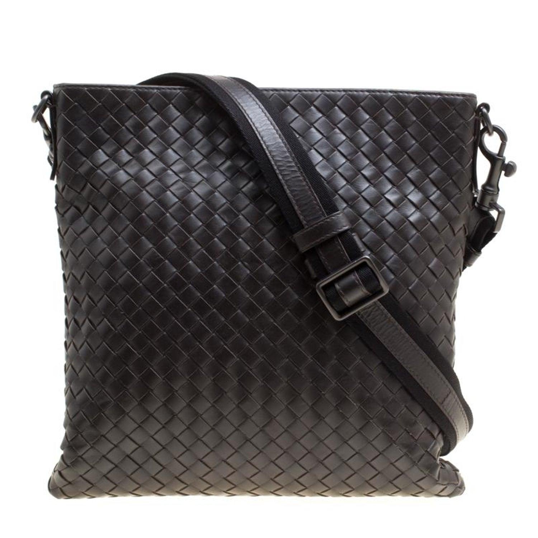 Bottega Veneta Dark Brown Intrecciato Leather Crossbody Bag For Sale at  1stdibs 9060fb18a17e