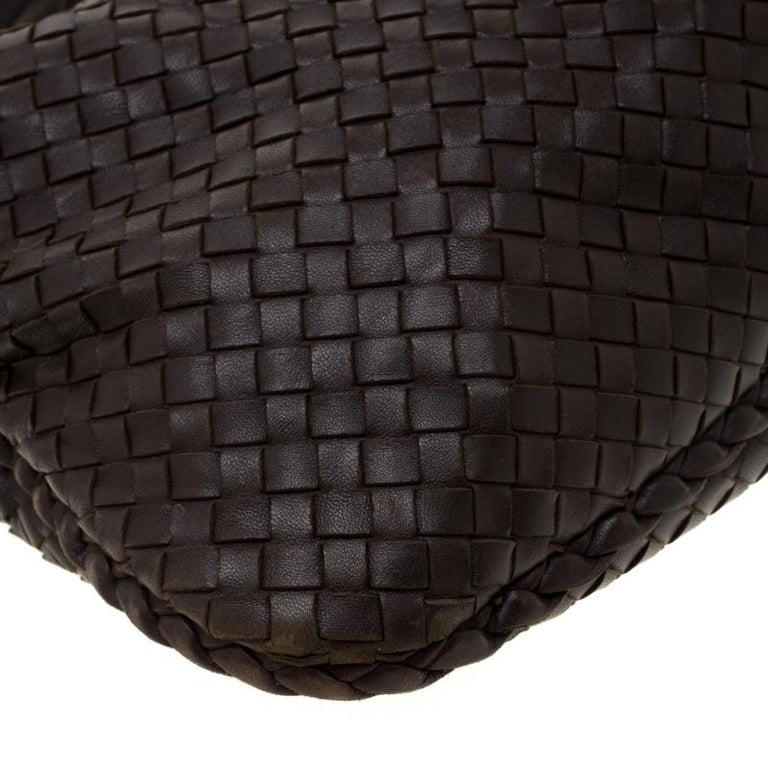 Bottega Veneta Dark Brown Intrecciato Nappa Leather Medium Veneta Hobo For Sale 6