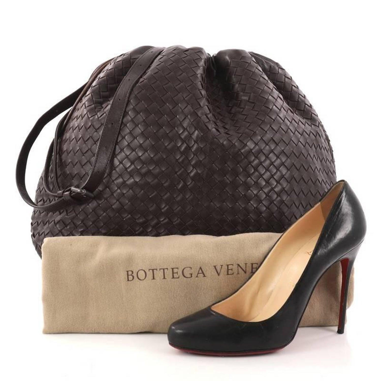 648fd7a8de Bottega Veneta Drawstring Shoulder Bag Intrecciato Nappa Large at 1stdibs