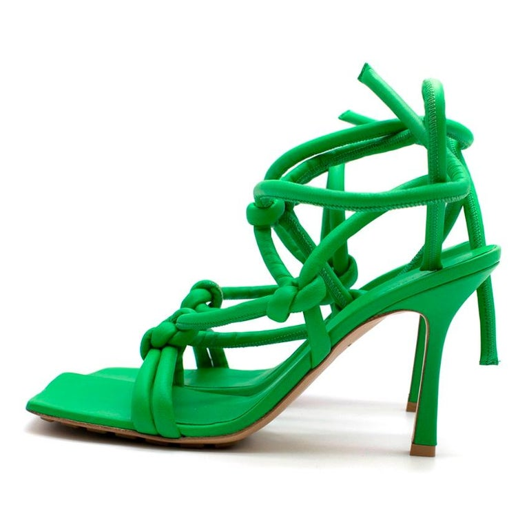 Bottega Veneta Dream Knotted Green Leather Sandals 39 In Excellent Condition For Sale In London, GB