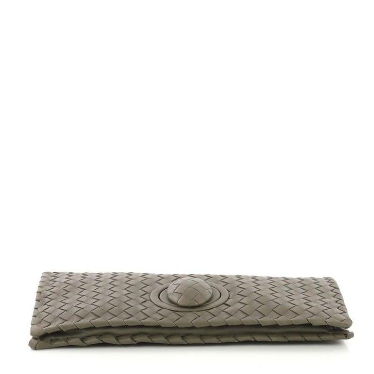 Bottega Veneta Fold Over Turnlock Clutch Intrecciato Nappa In Good Condition In New York, NY