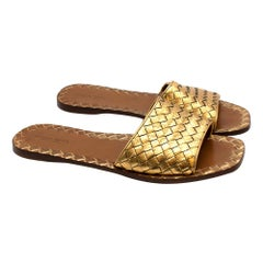 Bottega Veneta Gold Leather Intrecciato Flat Sandals - Size EU 41