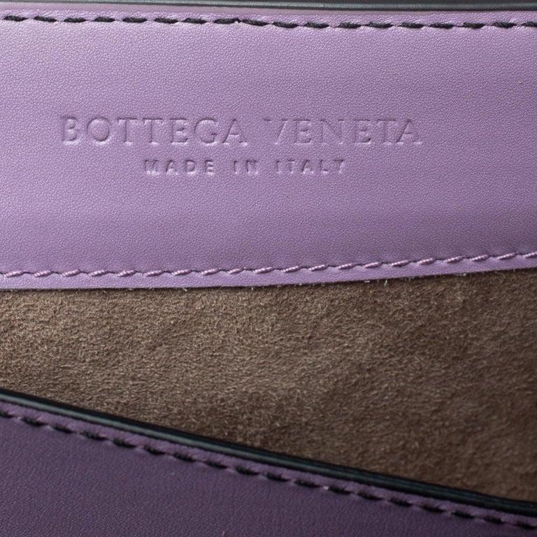 Bottega Veneta Lavender Intreccaito Leather Wingtip City Knot Shoulder Bag For Sale 3