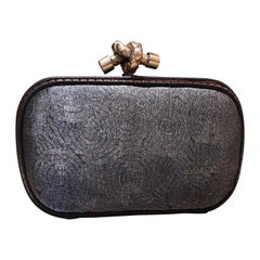 Bottega Veneta Limited Edition Elegant Grey Metal Thread Clutch Purse