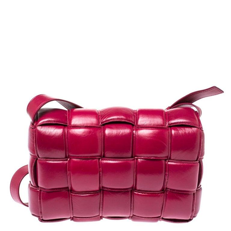 Red Bottega Veneta Magenta Padded Leather Cassette Crossbody Bag For Sale