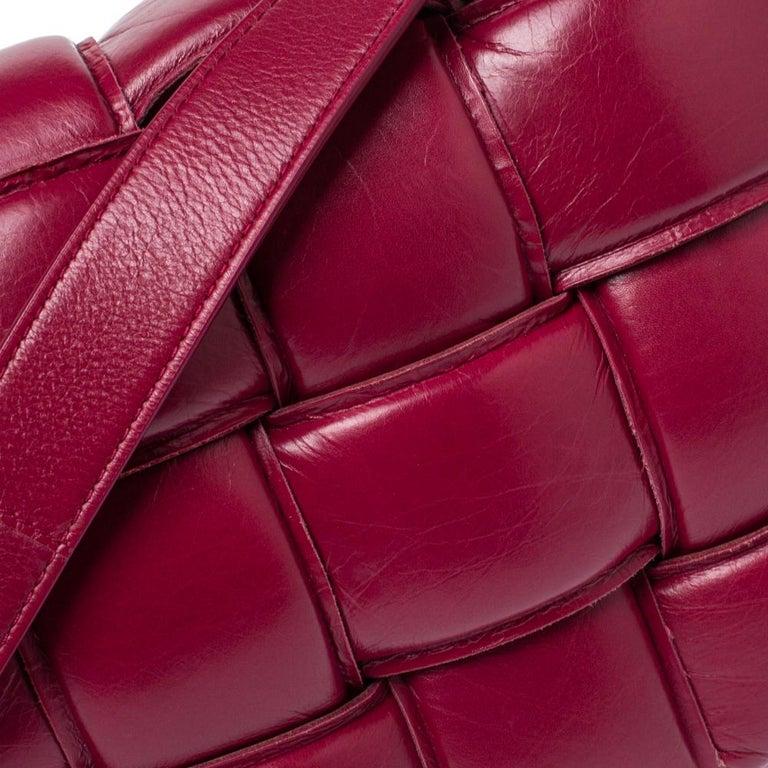 Women's Bottega Veneta Magenta Padded Leather Cassette Crossbody Bag For Sale