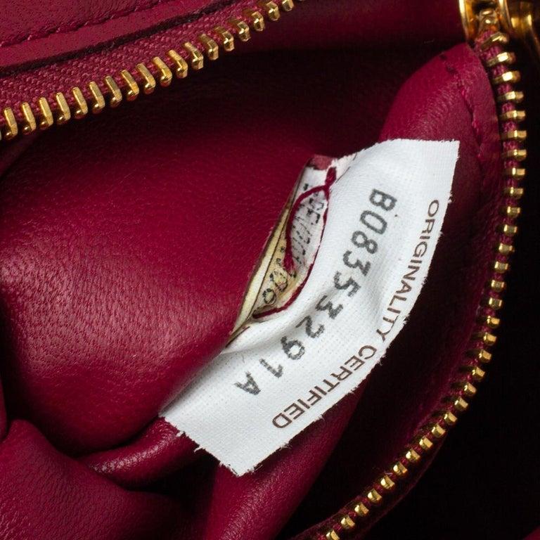 Bottega Veneta Magenta Padded Leather Cassette Crossbody Bag For Sale 2