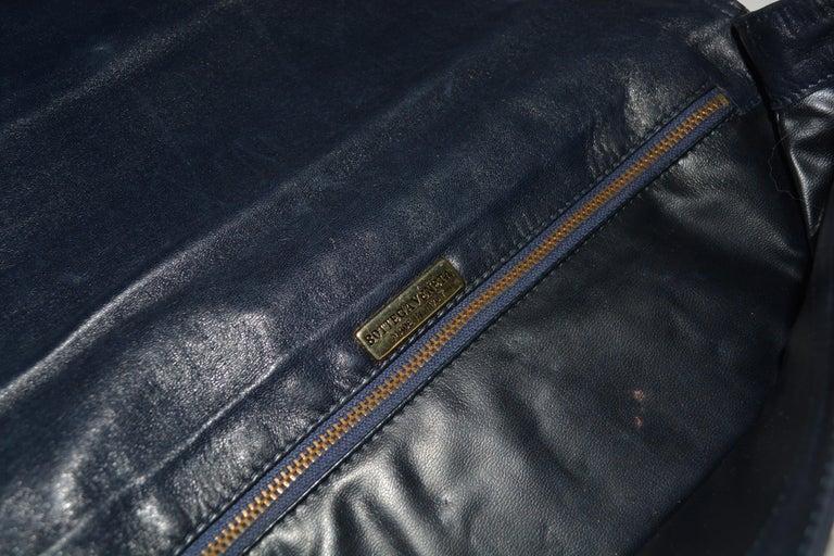 Women's or Men's Bottega Veneta Navy Clutch  For Sale