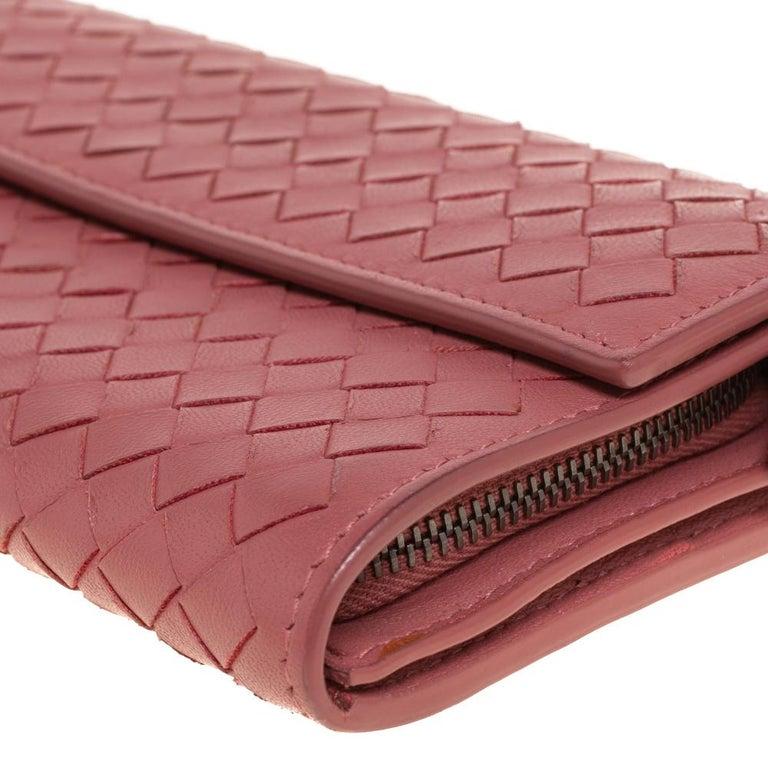 Bottega Veneta Old Rose Intrecciato Leather Continental Flap Wallet For Sale 1