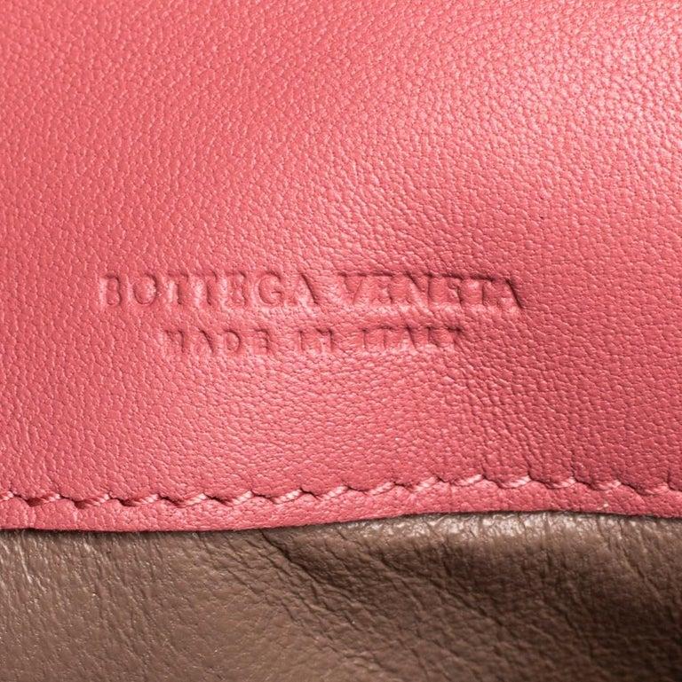 Bottega Veneta Old Rose Intrecciato Leather Continental Flap Wallet For Sale 4