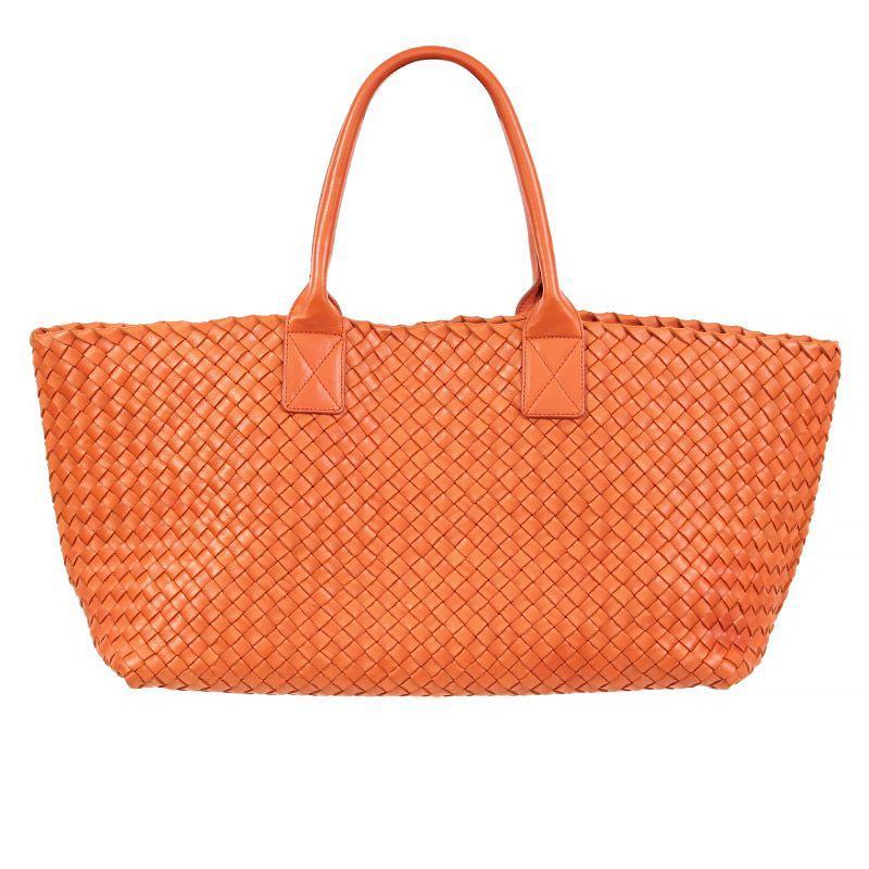 844a3224f017 Bottega Veneta Rich Lambskin Signature Taupe Woven Double-Handle Shoulder  Bag For Sale at 1stdibs