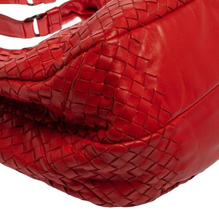Bottega Veneta Red Leather Intrecciato Campana Hobo For Sale 3