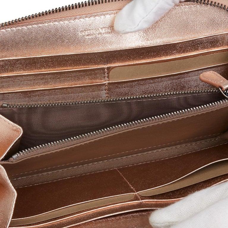 Bottega Veneta Rose Gold Woven Metallic Calfskin Leather Zip Around Wallet For Sale 5