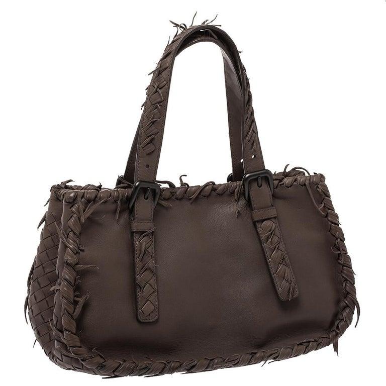 Bottega Veneta Taupe Intrecciato Leather Fringe Satchel In Good Condition For Sale In Dubai, Al Qouz 2