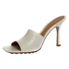 Bottega Veneta White Leather Square Toe Slide Sandals Size 37.5