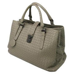 Bottega Veneta Women's Medium Light Calf Intrecciato Tote Handbag