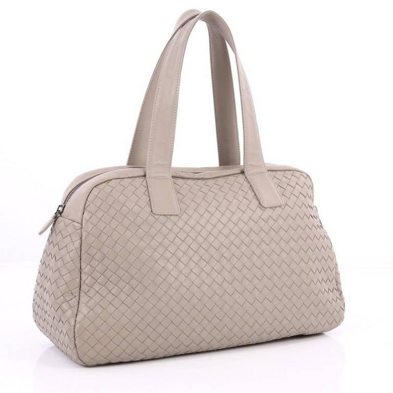 2dcdbc916414 Beige Bottega Veneta Zip Boston Bag Intrecciato Nappa Medium For Sale
