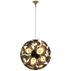 Botti pendant light in Gold and Brass