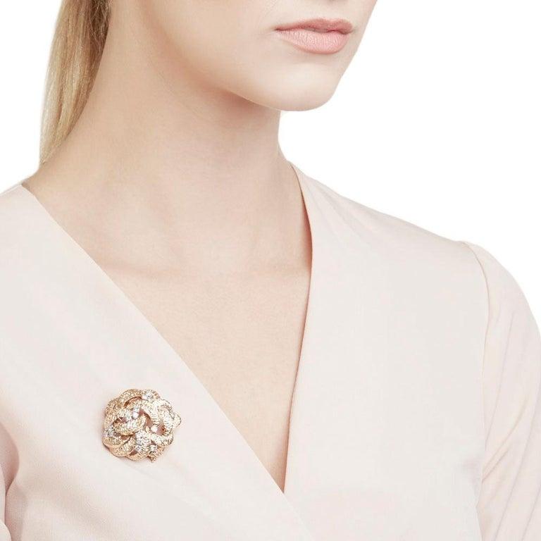 Boucheron 18 Karat Yellow Gold Round Brilliant Cut Diamond Vintage Brooch For Sale 6