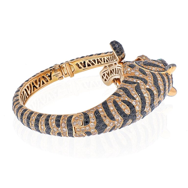 Boucheron 18k Rose Gold Bagha Tiger Diamond Bangle Bracelet In Excellent Condition For Sale In New York, NY