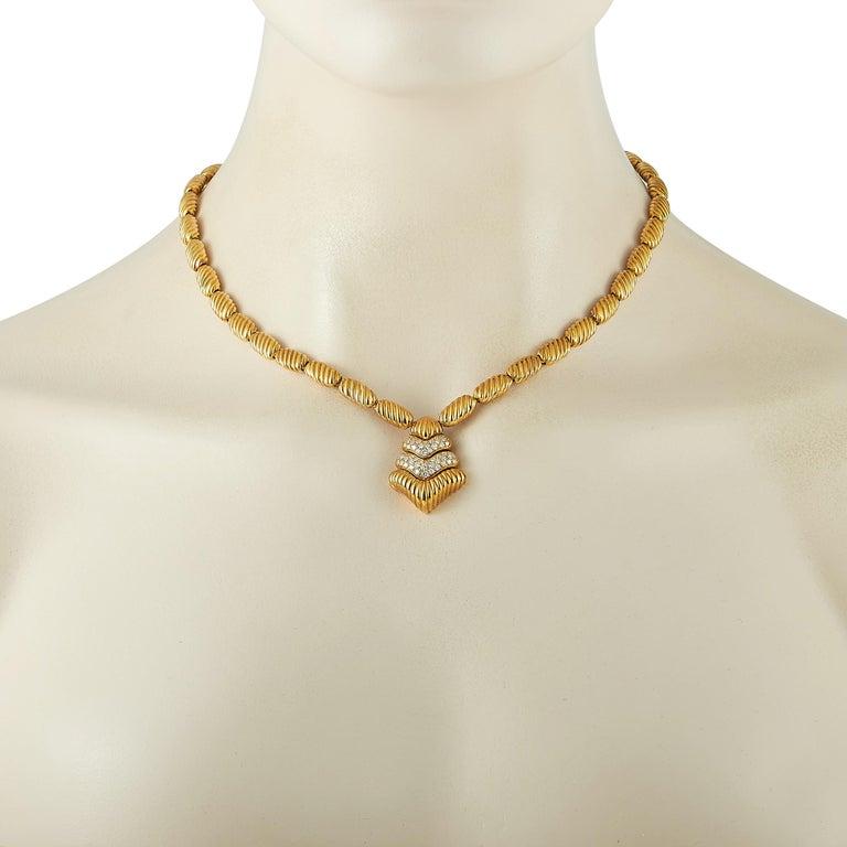 Round Cut Boucheron 18 Karat Yellow Gold 1.50 Carat Diamond Necklace For Sale