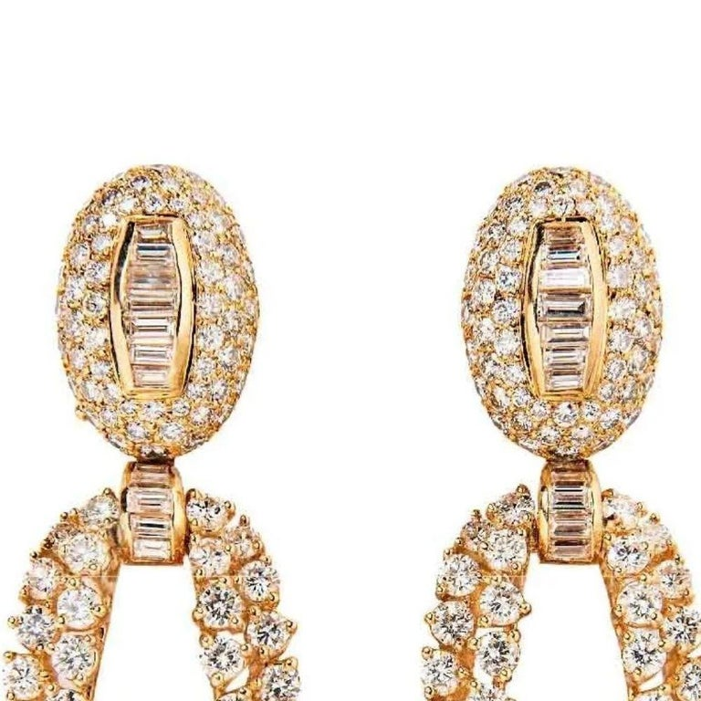 Mixed Cut Boucheron 18 Karat Yellow Gold and Diamond Day and Night Earrings For Sale