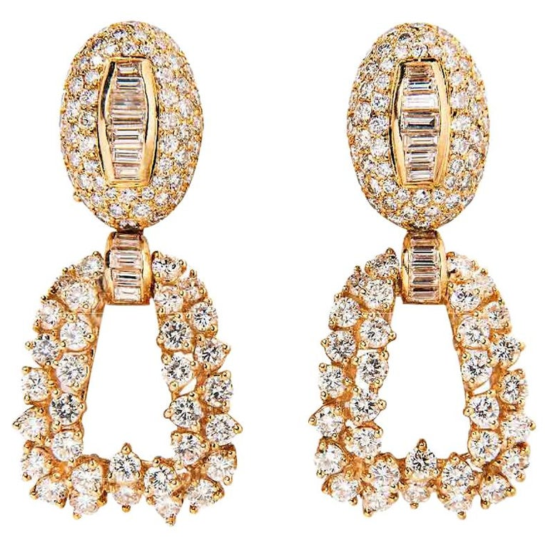 Boucheron 18 Karat Yellow Gold and Diamond Day and Night Earrings For Sale