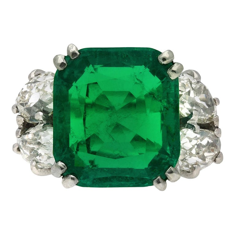 Boucheron Colombian Emerald and Diamond Ring, French, circa 1920 For Sale