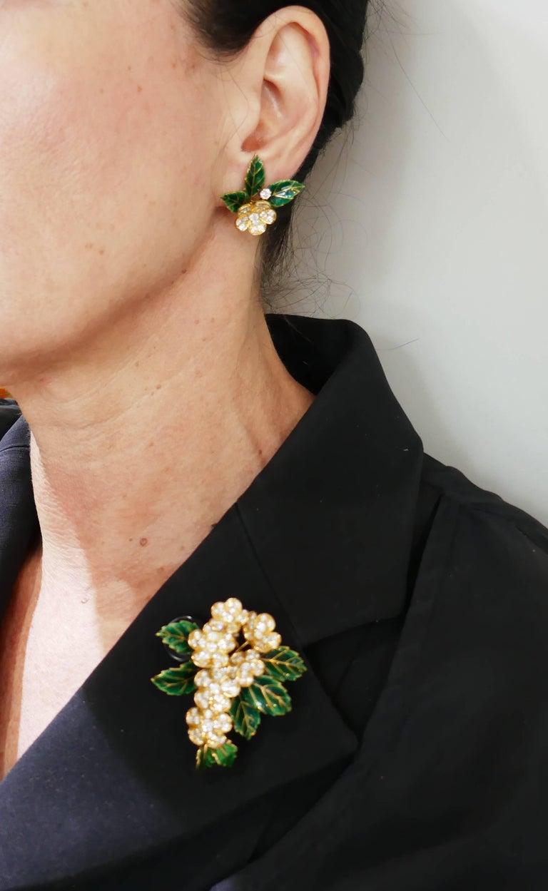 Round Cut Boucheron Diamond Enamel Gold Earrings Clip Set Brooch Pin, 1950s France