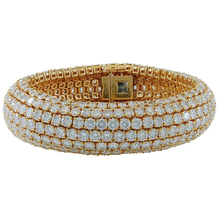 Boucheron Diamond Flexible Bombe Bracelet For Sale
