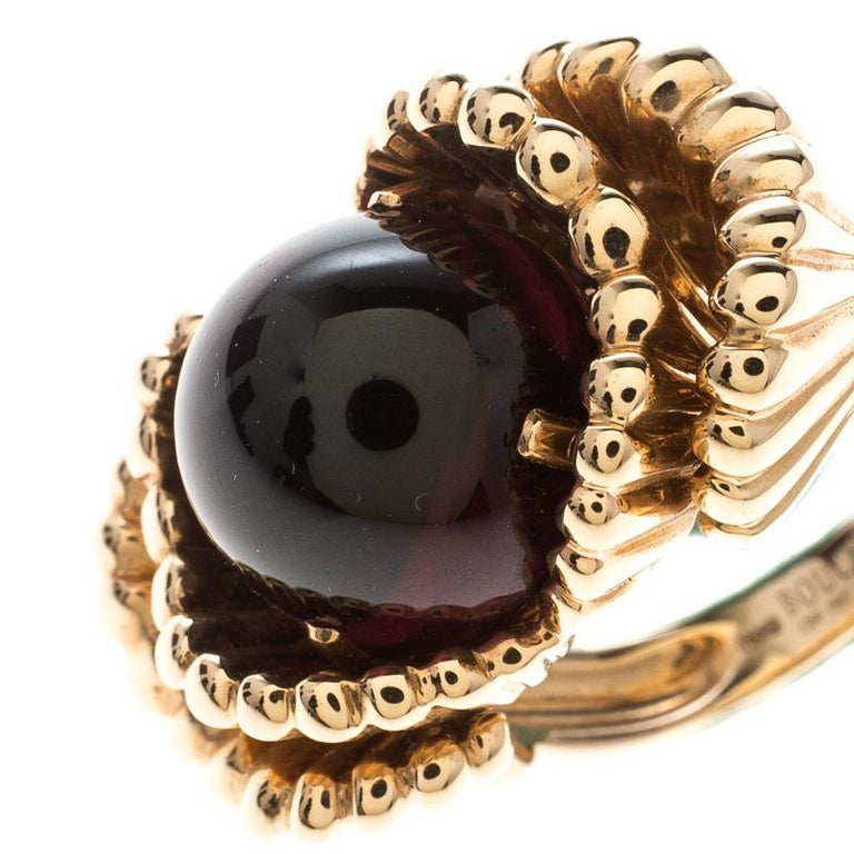 Contemporary Boucheron Frou Frou Garnet Cabochon 18k Rose Gold Cocktail Ring Size 50 For Sale