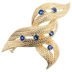 Boucheron Paris .70 Carat Sapphire Yellow Gold Swirl Brooch
