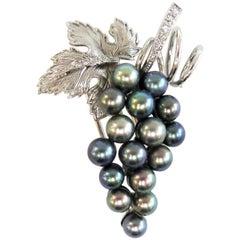 Boucheron Paris Black Pearl Grape Cluster Leaf with Diamonds Fur Clip
