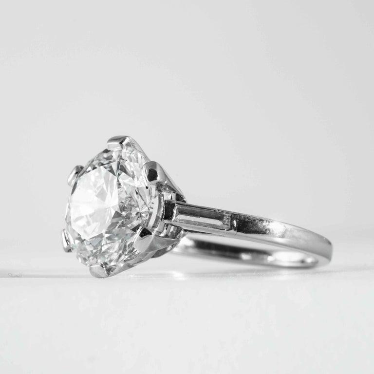 Round Cut Boucheron, Paris Gia Certified 5.69 Carat I VS2 Round Brilliant Diamond Ring For Sale