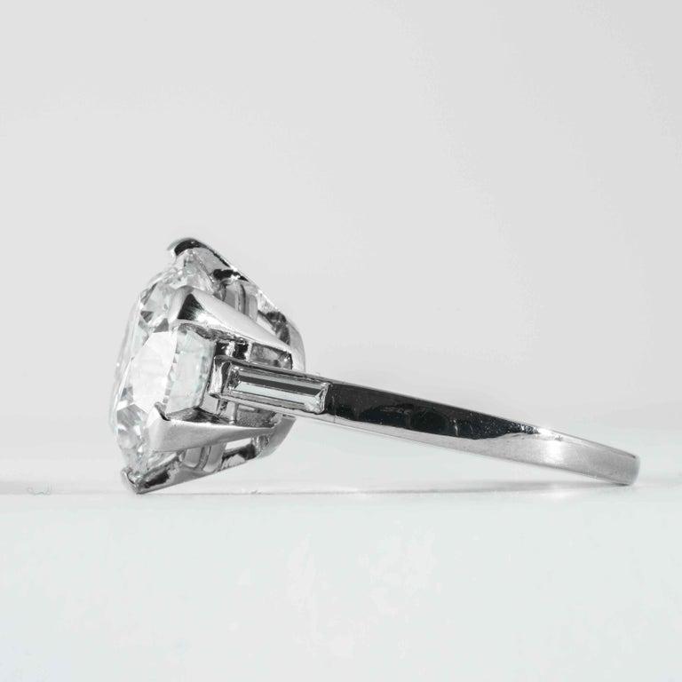 Boucheron, Paris Gia Certified 5.69 Carat I VS2 Round Brilliant Diamond Ring In Excellent Condition For Sale In Boston, MA