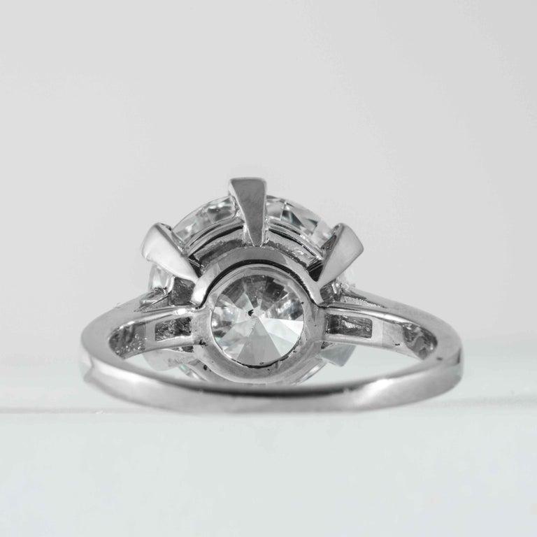 Women's Boucheron, Paris Gia Certified 5.69 Carat I VS2 Round Brilliant Diamond Ring For Sale