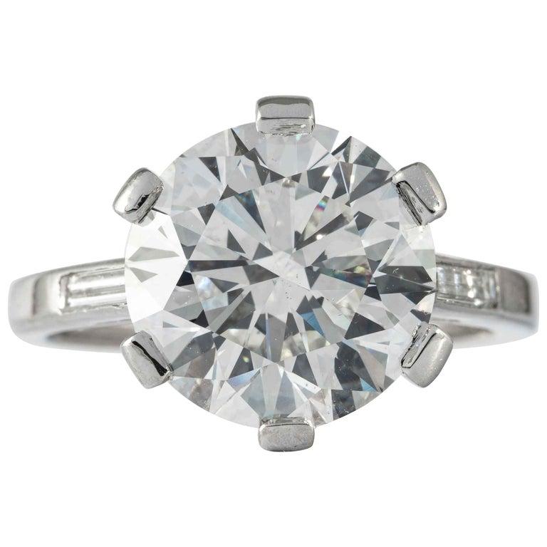 Boucheron, Paris Gia Certified 5.69 Carat I VS2 Round Brilliant Diamond Ring For Sale