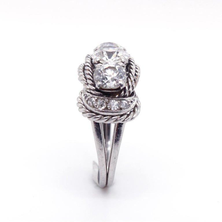Boucheron Retro Three-Stone Diamond Ring, circa 1940s For Sale 5