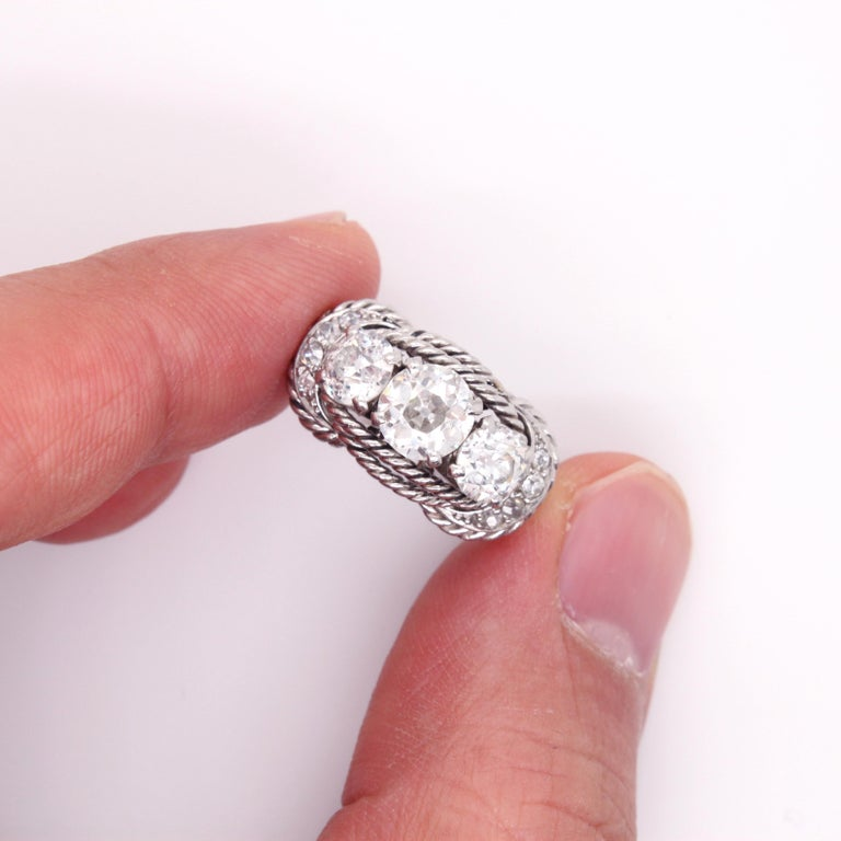 Boucheron Retro Three-Stone Diamond Ring, circa 1940s For Sale 7