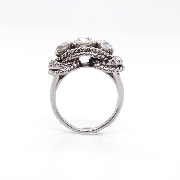 Boucheron Retro Three-Stone Diamond Ring, circa 1940s For Sale 4