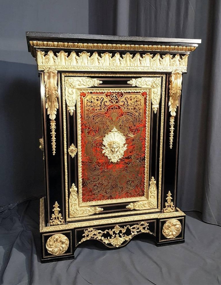 Boulle  Marquetry Cabinet, France 18th Century In Good Condition For Sale In Paris, FR