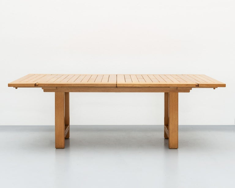 Bourbonnais Dining Table in Oak by Guillerme et Chambron, France, 1970s In Good Condition For Sale In Santa Fe, NM