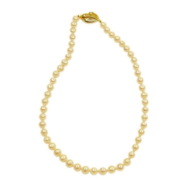 Bouton Shaped Cultered Pearl Necklace with 9 Ct Gold Snap