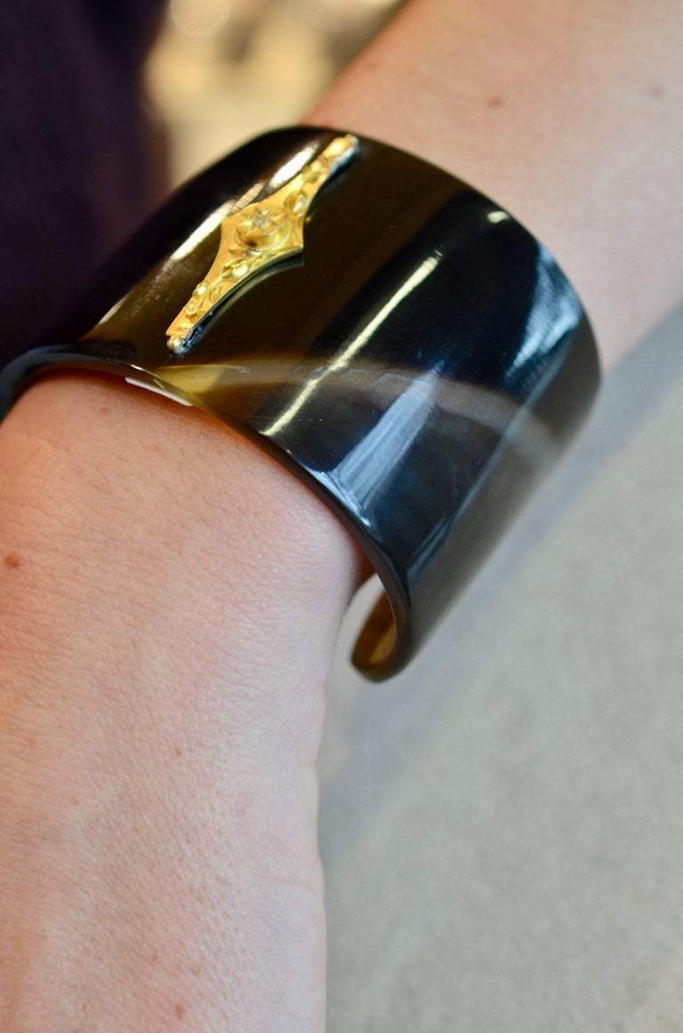 Bovine Horn Cuff with Vintage 14 Karat and Diamond Bar For Sale 4