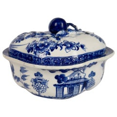 Bow Porcelain Lidded Cream Pot, Blue and White Chinese House, circa 1765
