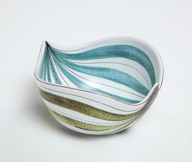 Bowl by Stig Lindberg, Sweden, circa 1950 In Good Condition For Sale In New York, NY