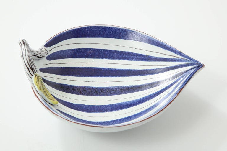 Hand-Crafted Ceramic Bowl by Stig Lindberg, Scandinavian Midcentury, Faience, Sweden For Sale
