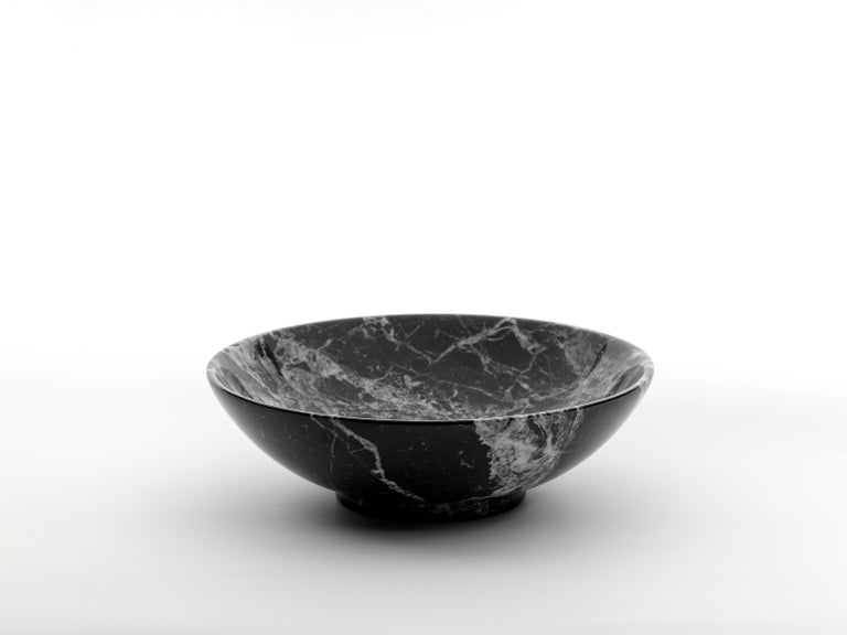 Bowl in Portoro Marble diam 30 cm In New Condition For Sale In Carrara, IT